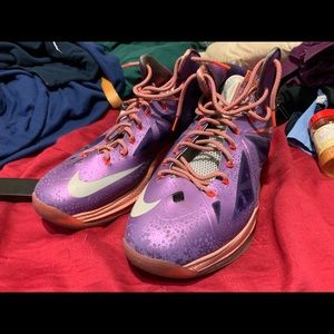 Nike lebron galaxy 10